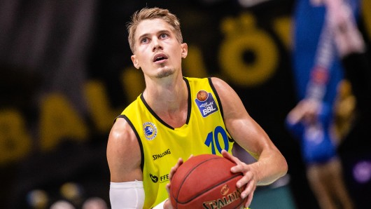 Braunschweigs Thomas Klepeisz hat seinen Vertrag bei den Basketball Löwen verlängert (Archivbild).