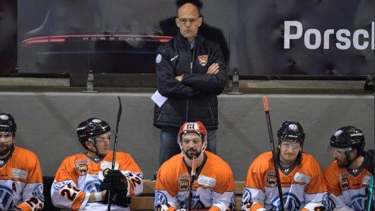 Hans Kossmann bei seinem Debüt als Grizzlys-Coach.