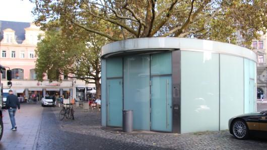 Die öffentliche Toilette am Kohlmarkt.