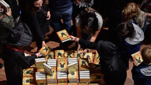 Offenbar fesselt Harry Potter die jungen Leser noch immer... (Symbolbild)