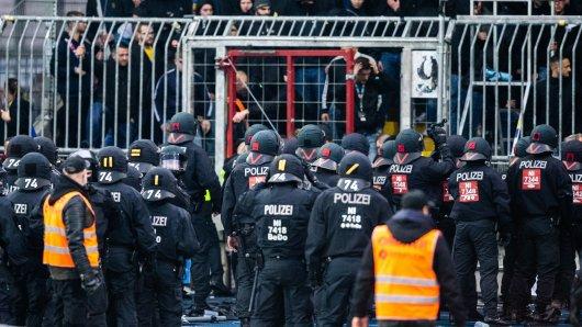 Die Polizei musste nach dem Eintracht Braunschweig-Spiel eingreifen.