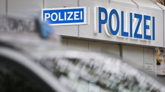 Immer mehr Menschen in Bremen und Niedersachsen erstatten über Online-Wachen Anzeige. (Symbolbild)