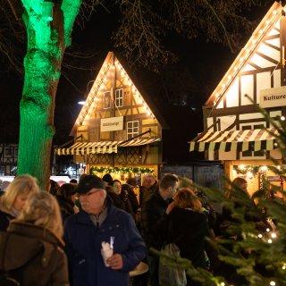 Der Weihnachtsmarkt in Salzgitter-Bad ist eröffnet.