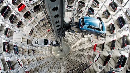 Nach dem Diesel-Skandal eröffnet sich nun die nächste erschreckende Nachricht um Autohersteller VW. (Symbolfoto)