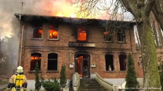 Ermittlungen zu den Umständen, welche zum Brand geführt haben, werden durch die Kriminalpolizei aufgenommen.