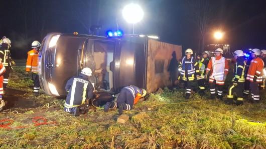 Am Morgen nach dem tödlichen Unfall gibt es neue Details: Der Fahrer war nicht angeschnallt (Symbolbild).