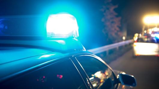 Ein 24-Jähriger hat sich in der Nacht eine wilde Verfolgungsjagd mit der Autobahnpolizei Braunschweig geliefert (Symbolbild).