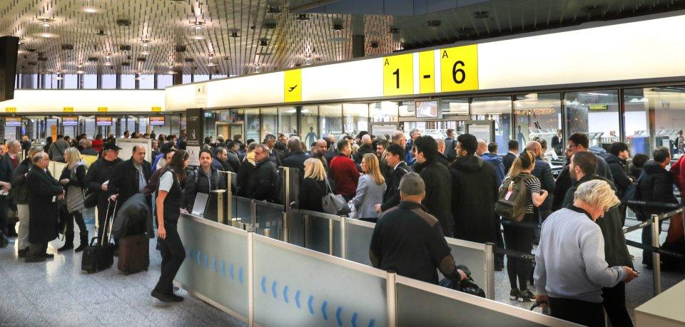 Passagiere am FLughafen Hannover (Archivbild).