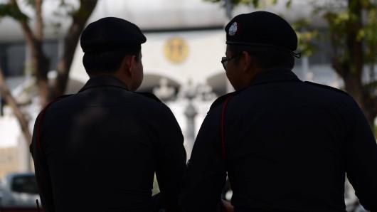 Zwei thailändische Polizisten. (Archivbild)