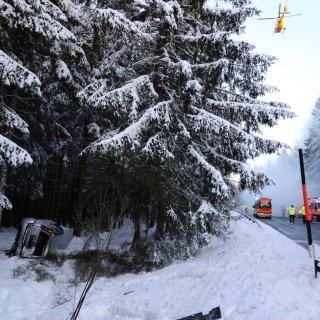 Die B242 im Harz musste nach einem schweren Verkehrsunfall vollgesperrt werden.