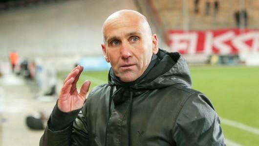 Eintracht-Braunschweig-Trainer André Schubert während des Spiels beim FSV Zwickau.
