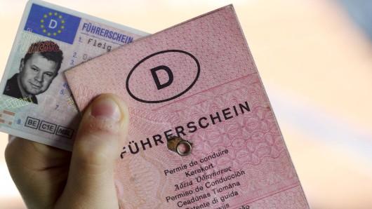 43 Millionen Deutsche müssen bald ihren Führerschein umtauschen. (Symbolbild)