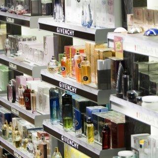 Ein Mann aus Braunschweig wollte am Valentinstag Parfüm für seine Freundin klauen - aber daraus wurde nichts (Symbolbild).