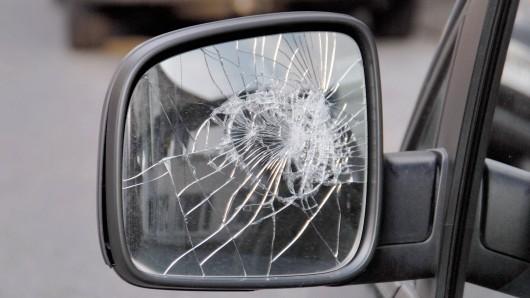 Mindestens elf Autos wurden in Braunschweig attackiert (Symbolbild).