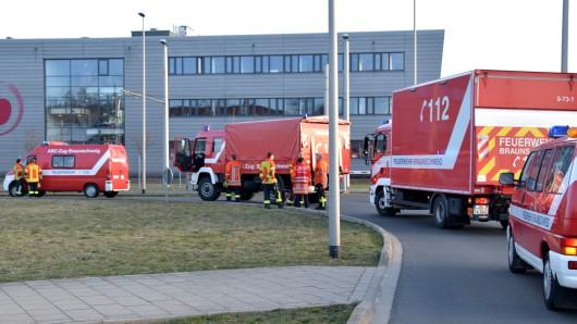 Sowohl der Gefahrstoffzug als auch der ABC-Zug mussten in Braunschweig ausrücken.