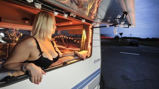 Unter anderem an der B188 in Gifhorn bieten Prostituierte ihre Dienste an (Symbolbild).