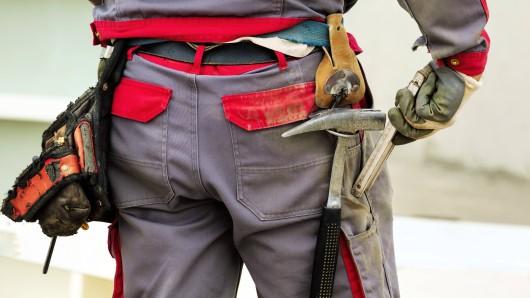 Mit einem Werkzeughammer ist ein 50-Jähriger Mann aus Leipzig in Bad Harzburg auf einen 20-Jährigen losgegangen. (Symbolbild)