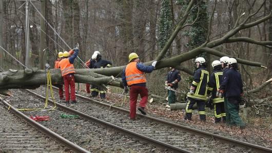 Sturmtief Bennet behindert den Bahnverkehr (Archivbild).