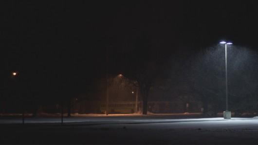 In Salzgitter sind die Signale für die Straßenbeleuchtung gestört (Symbolbild).