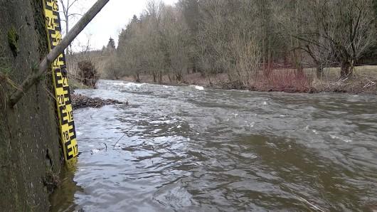 Der Pegel der Bode ist derzeit so hoch, dass eine erste Hochwasser-Warnung herausgegeben wurde.