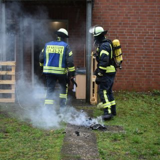 Im Einsatz waren rund 20 Feuerwehrleute unter der Leitung von Ortsbrandmeister Marco Brand.