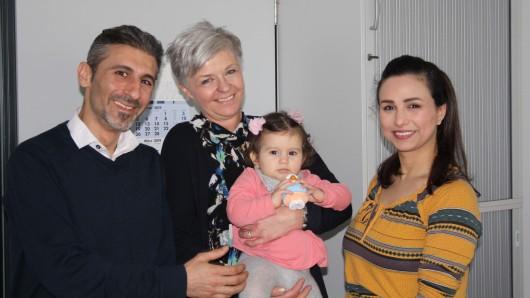 Von links: Rhami Zain Rahabi, Iwona Lubanska mit Lara auf dem Arm und B'dour Zaidani.