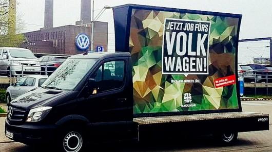 So warb die Bundeswehr für ihren Spurwechsel bei VW in Wolfsburg. Ausgerechnet auch noch mit einem Sprinter.