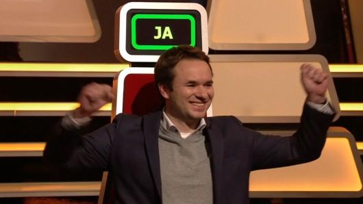 Helge Böttcher hat am Dienstag 5.000 Euro bei Genial daneben - das Quiz gewonnen.