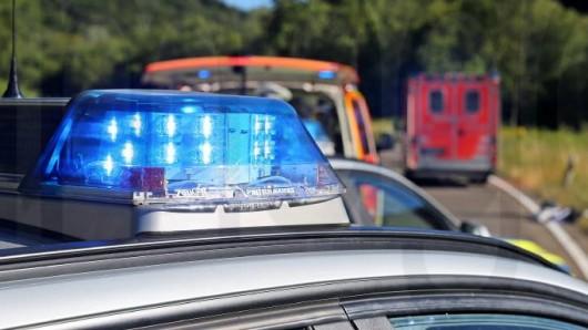 Tödlicher Motorradunfall im Harz: Ein Motorradfahrer verstirbt noch am Unfallort. (Symbolbild)