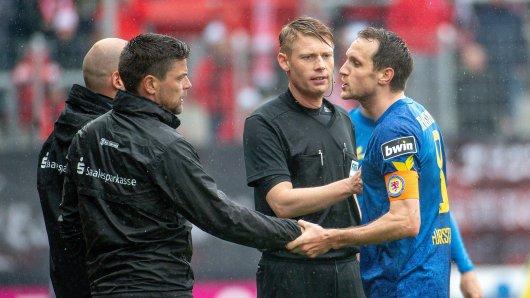 Eintracht Braunschweig-Kapitän Stephan Fürstner und Halle-Coach Torsten Ziegner waren nicht immer einer Meinung.