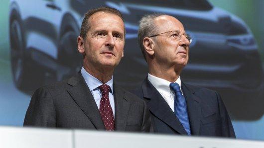 VW-Chef Herbert Diess und Aufsichtsratschef Hans Dieter Pötsch (Archivbild).