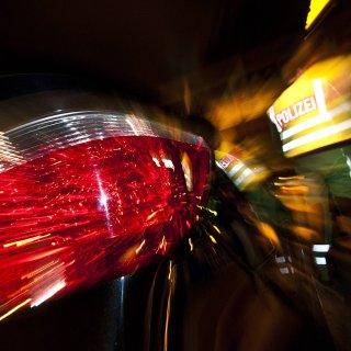Ein junger BMW-Fahrer aus Braunschweig ist durch eine Radarfalle gerauscht. Laut Polizei hat er sich wohl ein illegales Rennen geliefert... (Symbolbild)