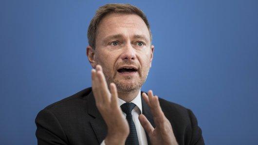 """Christian Lindner (FDP) wurde von """"Fridays for Future""""-Aktivisten gestört."""