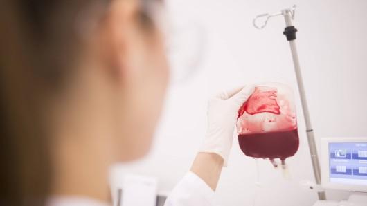 Das Klinikum Braunschweig sucht dringend Blutspender (Symbolbild).
