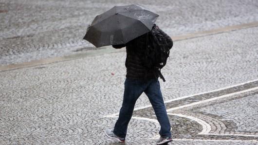 Das Wetter in Niedersachsen bleibt weiter unbeständig (Symbolbild).
