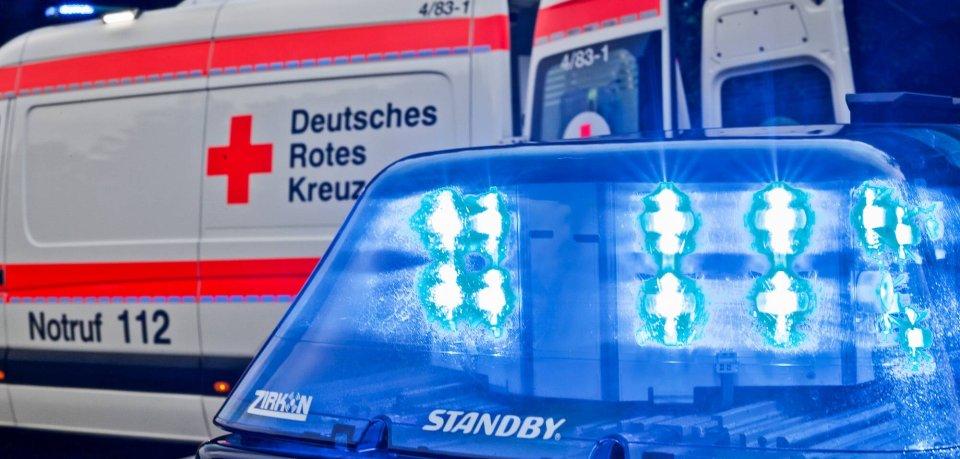 Ein Rettungswagen musste den Mann aus Peine ins Krankenhaus bringen. (Symbolbild)