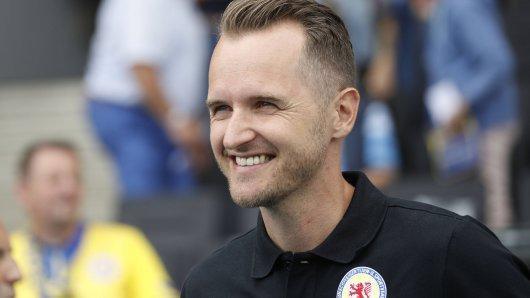 Christian Flüthmann winkt womöglich ein neuer Job. 115 Tage nach seinem Rauswurf bei Eintracht Braunschweig ist der junge Trainer bei einem Zweitligisten im Gespräch.