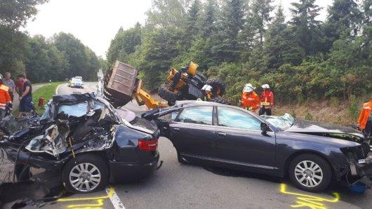 Niedersachsen: Auf der L 240 hat es einen tödlichen Unfall gegeben.