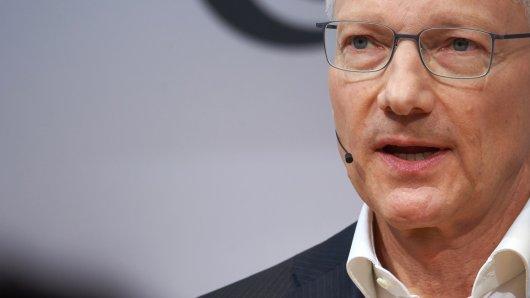 Elmar Degenhart, Vorstandsvorsitzender des Automobilzulieferers Continental, spricht bei einer Pressekonferenz seines Unternehmens auf der IAA.