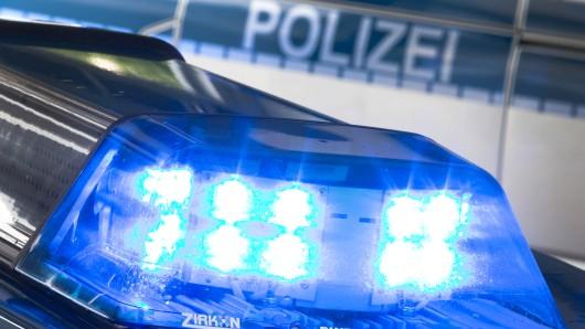 Auf der B 242 in Niedersachsen kam es am Freitag zu einem Verkehrsunfall. (Symbolfoto)