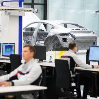 Bei Porsche ging am Dienstag stundenlang gar nichts mehr. Hacker waren es nicht, sagt ein Sprecher. Es war wohl ein internes IT-Problem. (Archivbild)