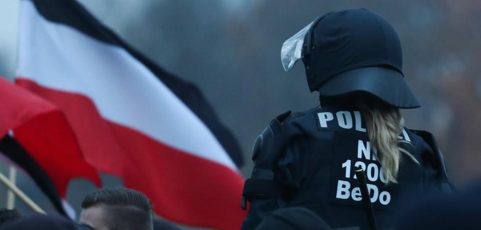 Stadt und Polizei Braunschweig haben eine NPD-Demo genehmigt. Allerdings müssen die Neonazis einige Vorschriften einhalten.   (Symbolbild)