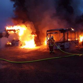 Im Landkreis Helmstedt sind zwei Busse der KVG abgebrannt. Der Schaden ist immens!