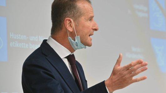 VW-Chef Herbert Diess befürchtet wegen der Corona-Krise bis mindestens 2022 schwere Belastungen des Geschäfts für den Volkswagen Konzern. (Archivbild)