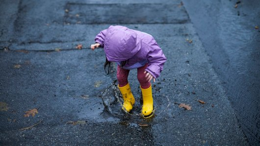 Das Wetter in Niedersachsen zeigt sich wechselhaft. Erstmal kommt jedenfalls jede Menge Regen runter... (Symbolbild)