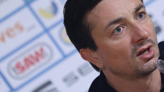 Daniel Meyer während seiner erste Pressekonferenz als Trainer von Eintracht Braunschweig.
