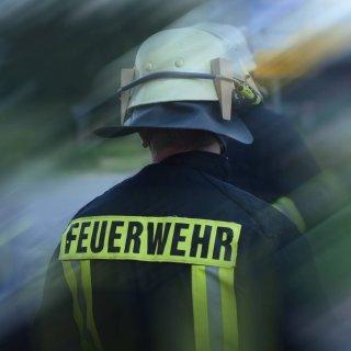 In Gifhorn hat sich ein Feuerwehrmann um einen schwer verletzten Jungen gekümmert. (Symbolbild)