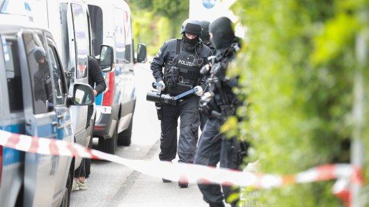Das BKA hat im Raum Braunschweig und Salzgitter zwei Männer festgenommen. Sie sollen für mehrere Straftaten verantwortlich sein. (Symbolbild)
