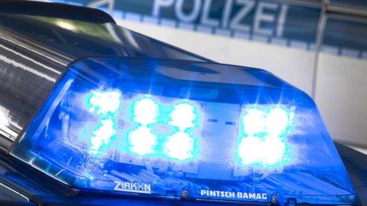 In Gifhorn kam es zu einer Explosion unter einem Polizeiauto.
