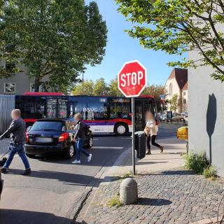 An dieser Stelle musste der Busfahrer aus Braunschweig stark abbremsen. (Symbolbild)